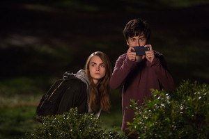 cara-delevingne-nat-wolff-in-PAPER-TOWNS